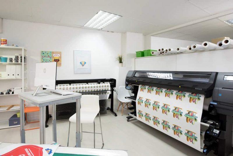 latex 335 print and cut operation